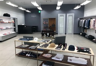 【THOM BROWNE】 三井アウトレットパーク木更津店のサムネイル