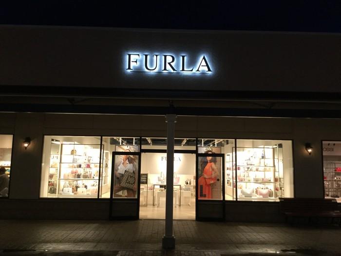 【FURLA】神戸三田プレミアム・アウトレット店のサムネイル