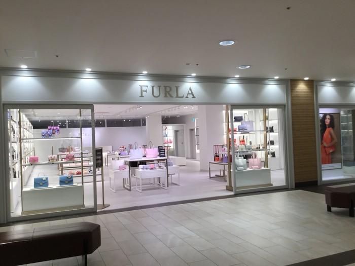 【FURLA】三井アウトレットパークマリンピア神戸店のサムネイル