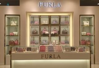 【FURLA】りんくうプレミアムアウトレット店のサムネイル
