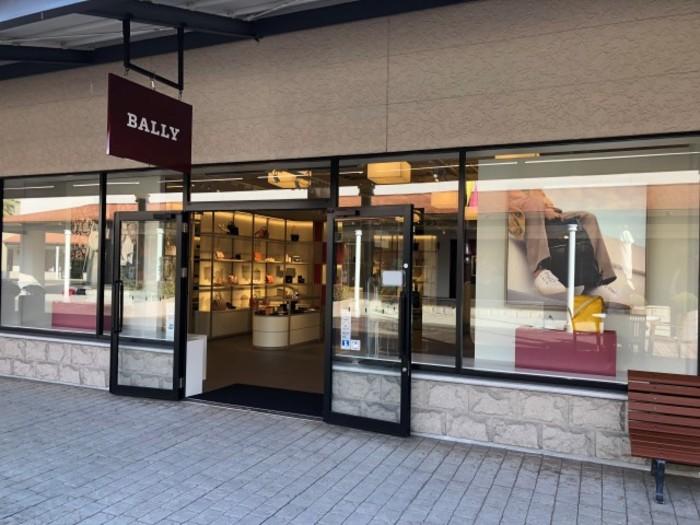 【BALLY】神戸三田プレミアムアウトレット店のサムネイル